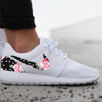 Nike Roshe Run Womens One White Custom Black White Dot Pink Rose Floral Print
