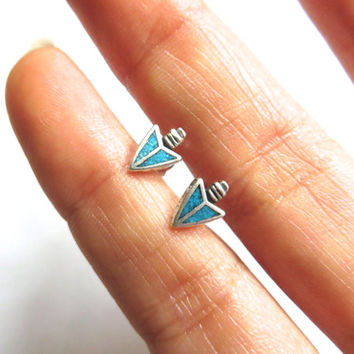Tiny Turquoise Arrowhead Studs Sterling Silver 925 Arrow Head Vintage Earrings 6x9mm
