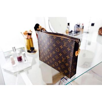 LV Classic Fashion Women Men Louis Vuitton Monogram Business Handbag Tote Makeup Bag Clutch Bag I/A