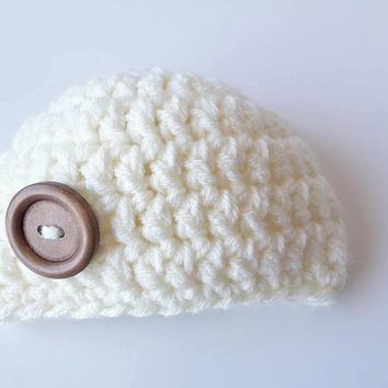 Newborn Photo Prop hat / Crochet Newborn photo prop hat / Newborn hat with wood button / Crochet newborn beanie / crochet newborn hat / baby