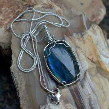 Labradorite pendant cushion shape silver wire wrapped with a silver plated necklace