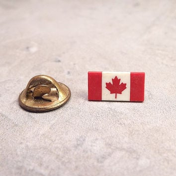 Canadian Flag Pin, Vintage Tack Pin, Vintage Lapel Pin, Red and White, Maple Leaf, Patriotic Jewelry, Canada Jewelry, Flag Pin, Small Pin