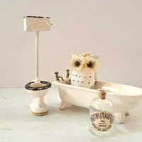 Vintage Victorian Dollhouse Bath Set. Collectible Toy Christmas Gift. Porcelain Bathroom Pieces. Altered Art Assemblage Supply.