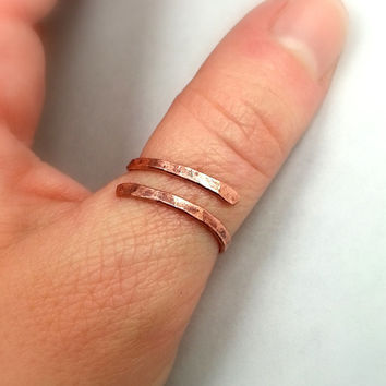 Raw Rustic Copper Thumb Ring, Hand Forged Hammered Adjustable Spiral Copper Ring, Textured Recycled Copper Wire Ring - Unisex