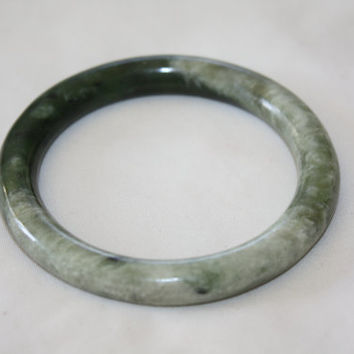 2 Tone Jade Bangle Bracelet Vintage Green Jade Asian Bracelet 1940s Jewelry