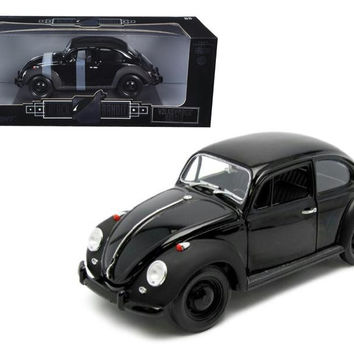 "1967 VW Volkswagen Beetle ""Black Bandit"" 1-18 Diecast Model Car by Greenlight"