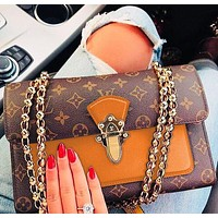 Louis Vuitton Fashion new casual wild ladies shoulder Messenger bag small square bag chain bag