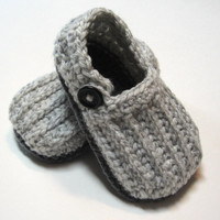 Crochet baby booties.  Little loafers.  Unisex.  Boys booties.  Girls booties.  Gender neutral. Made to order. 0 to 6 months, 6 to 12 month.