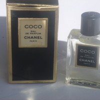 Vintage Chanel Coco miniature sample bottle glass full eau de perfume + box good condition to provide for the celebration of her MOM to be offir