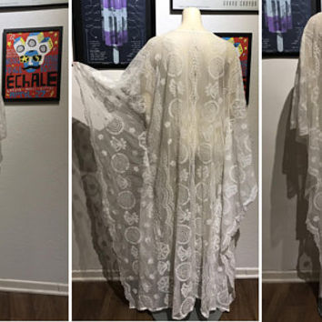 Beautiful Bohemian Sheer White Lace Kaftan Dress / Vtg Crochet Angel Sleeve Maxi Caftan / 70s Boho Bridal Wedding Gown / Lace Beach Cover Up