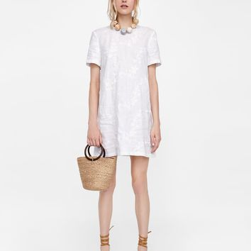 LINEN DRESS WITH FLORAL EMBROIDERY DETAILS
