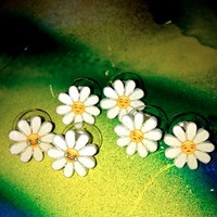 SWEET LORD O'MIGHTY! LITTLE LMAO DAISY EARRINGS