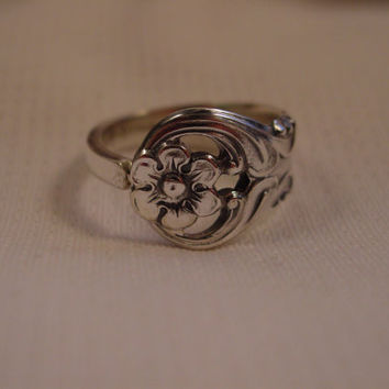 A BEAUTIFUL Size 9 1/2 Unique Spoon Ring by Spoon Rings Plus Vintage Spoon Handle Rings t433