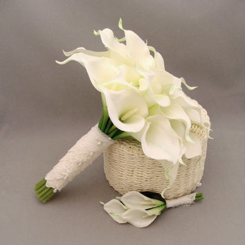 Real Touch Calla Lily Bridal Bouquet Groom's Boutonniere in White with Lace Wrap - Choose Your Custom Color Real Touch Calla Lily
