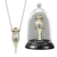 Felix Felicis Pendant and Display by Noble Collection |