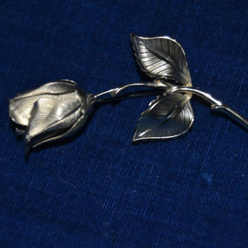 Vintage Giovanni silver tone rose brooch