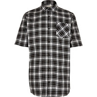 River Island MensBlack check short sleeve skater shirt