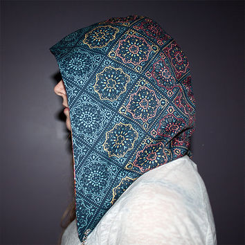Festival hood - reversible with interchangeable chain - Ombre Paisley