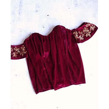 4SI3NNA - velvet off the shoulder top - burgundy