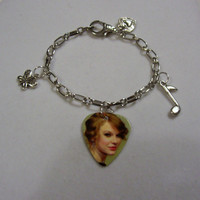 TAYLOR SWIFT - Sexy Guitar Pick Charm Bracelet With Heart, Music Note, and Butterfly