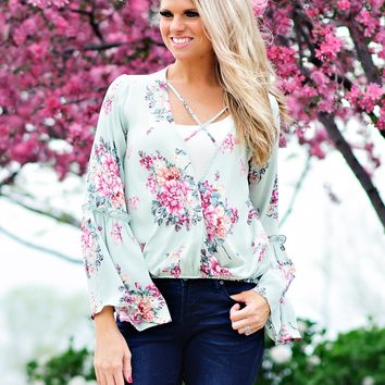 * Primrose Surplice Floral Blouse w/ Bell Sleeves : Mint
