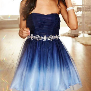 Elegant Beading Short Hot Homecoming Dress