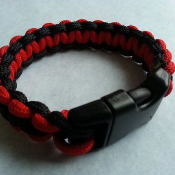 Red and black paracord bracelet, red paracord, black paracord, multicolor bracelet, 550 cord, survivalist bracelet, paracord bracelet