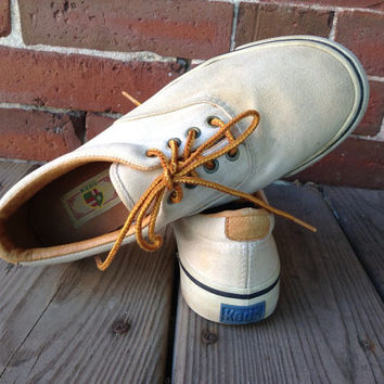 70's lace up Keds boat shoes boys 4 W 6 canvas tennis shoes