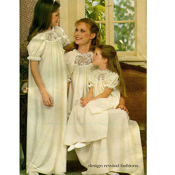 MOMMY & ME NGHTGOWN Pattern Womens Girls and Child Nightgown Pajamas Butterick 3430 Vintage Sewing Patterns Bust 31.5 to 40 Girl Size 3 - 14