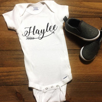 Custom Name Baby Shirt with Arrow, Infant Bodysuit Newborn, Baby Boy Outfit, Baby Shower Gift, Custom Shirts, Personalized Gift for Kids