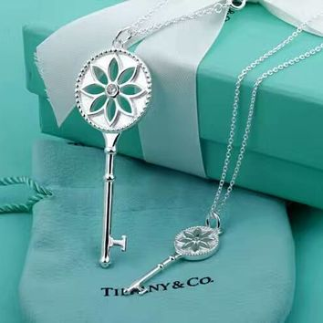 Tiffany Fashion 925 Sterling Silver White Daisy White Daisy Key Necklace High Quality