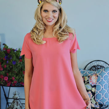 Daisy Solid Top with Scalloped Hem: Coral