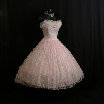 Vintage 1950's 50s Bombshell STRAPLESS Pink Tiered Layered Chiffon Lace Circle Skirt Party Prom Wedding DRESS Gown Medium Large Size