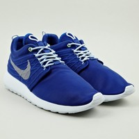 Nike Men's Blue Roshe Run Dynamic Flywire QS Sneakers