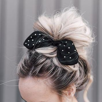 Knotted Bow Scrunchie - Pink