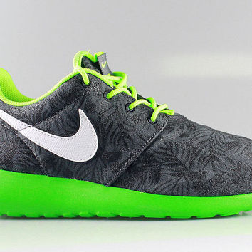 Nike Kid's Roshe Run GS Print Dark Grey Green Spark