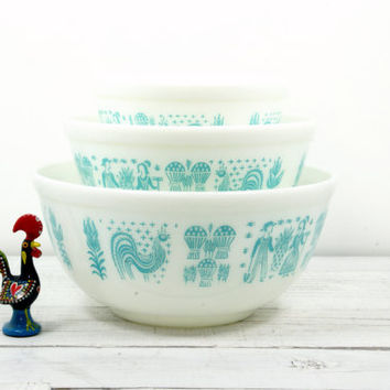 Pyrex Butterprint Blue White Nesting Mixing Bowls - 3