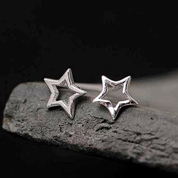 New Womens Silver Star Hollow Out Minimilist 925 Sterling Stud Back Earrings 1 Pair