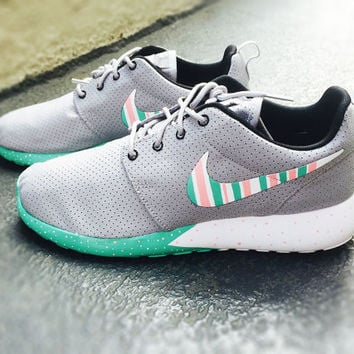 timeless design c9377 6e689 Custom Nike Roshe Run sneakers, South Beach teal  Pink petals, Fashionable  design, Wol