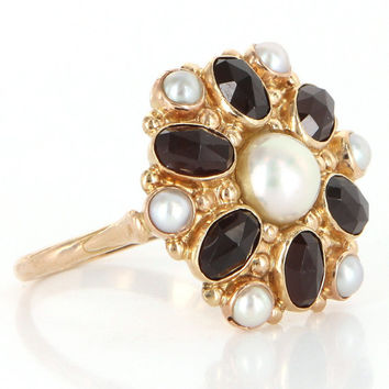 Vintage 14k Yellow Gold Garnet Cultured Pearl Round Cocktail Ring Fine Jewelry