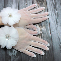 Floral White Wedding Gloves, Tulle Organza Wedding Gloves With Sequins and Flower, Audrey Hepburn style gloves