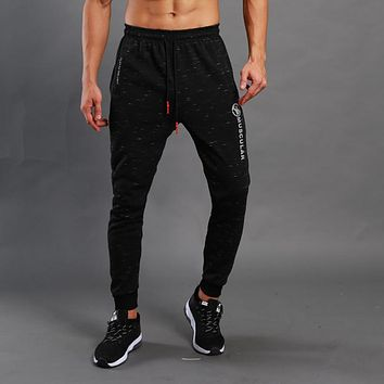 Winter warm Black MUSCULAR Print Men gyms Pants Casual Fitness Workout skinny Sweatpants Jogger zipper pocket Cotton Trousers
