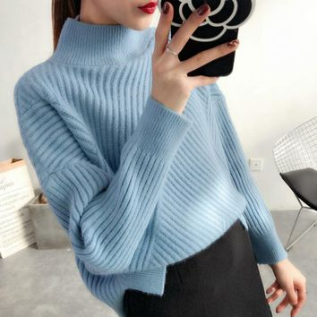 2018 Autumn and Winter new Korean style women's pullover sweater loose round neck solid color wild diagonal striped sweater