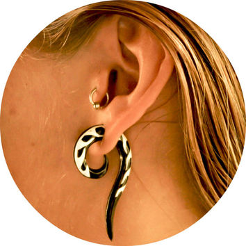 Ear Gauges, Horn Hook Ear Gauge, Horn Curved Ear Stretcher, Tribal Organic Gauge, Ear Body Piercing, Horn Spiral Tribal Gauged Earrings