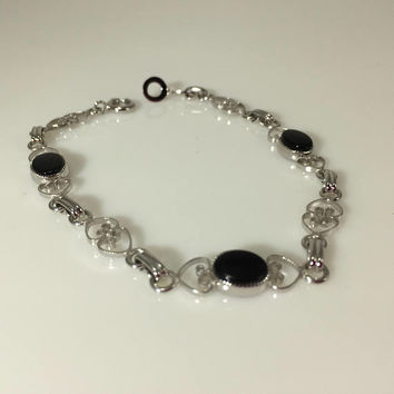 Silver tone black Bracelet, Hearts, Oval shape sets, Dainty and Feminine, Stamped A & Z Ster.