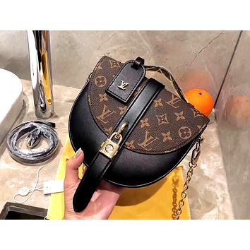 LV CHANTILLY 2019 new lock old flower flip horseshoe bag saddle bag shoulder Messenger bag Black