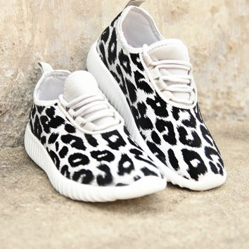 On The Run Sneakers - Silver Shimmer Leopard