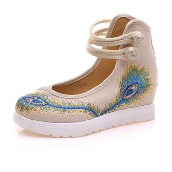 Peacock Embroidery Women Shoes Old Peking Mary Jane Flat Heel Denim Flats Soft Sole Women Dance Casual Shoes Height Increase