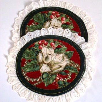 Quilted Floral Hot Pad - Set of 2 - Ivory Eyelet Trimmed Round Trivet