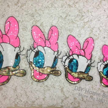 1 PCS Cartoon Donald Duck Sequins Clothes Embroidered Iron on Patches for Clothing DIY Stripes Motif Appliques parches bordados